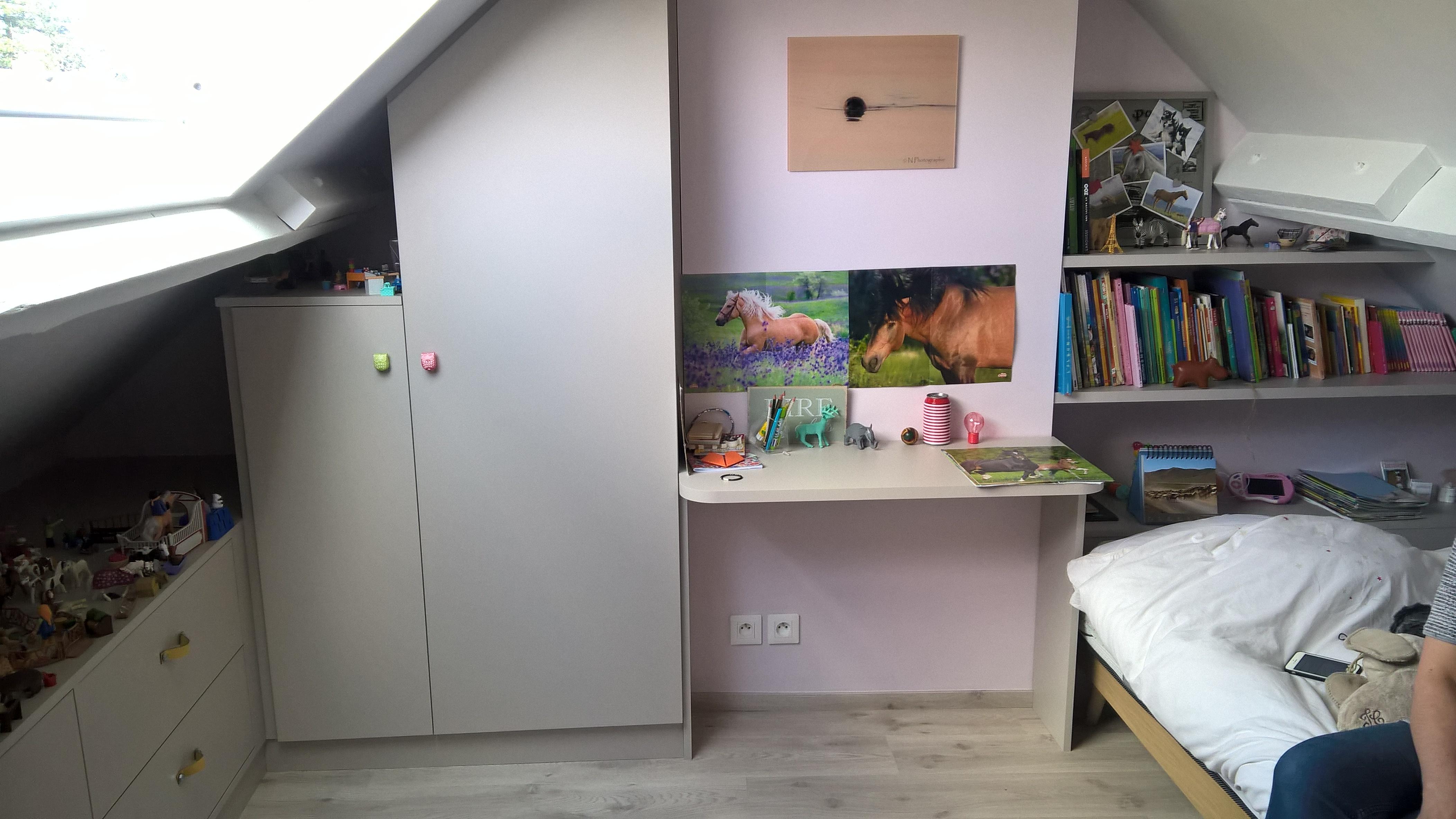 Chambre d\'enfant mansardée à Marcq en Baroeul - Kiosque Aménagement