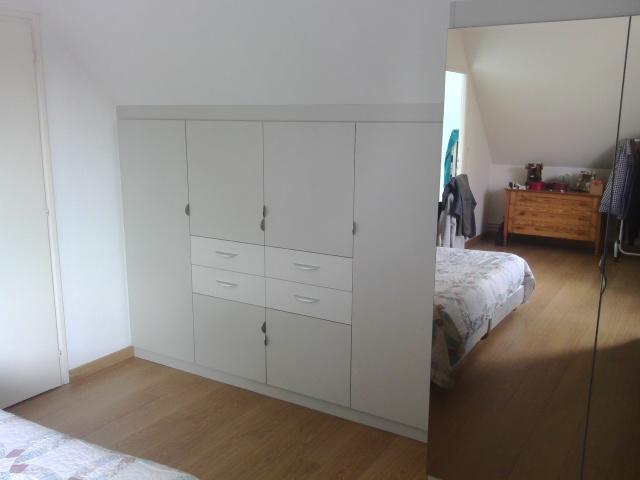 placard sur mesure sous pente avec miroir bronze. Black Bedroom Furniture Sets. Home Design Ideas