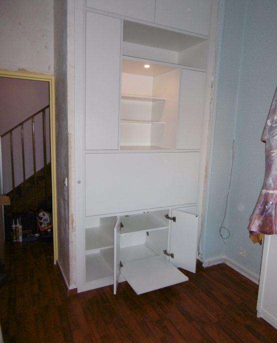 meuble bureau avec tablette escamotable dans le placard bas lumiere integree a lille