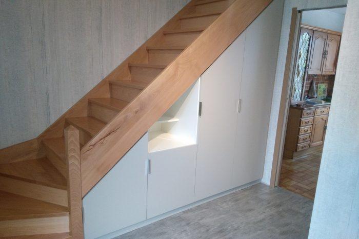 agencements sous escaliers kiosque am nagement. Black Bedroom Furniture Sets. Home Design Ideas