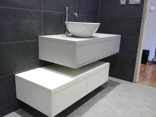 meuble sous vasque sur mesure suspendus kiosque am nagement. Black Bedroom Furniture Sets. Home Design Ideas