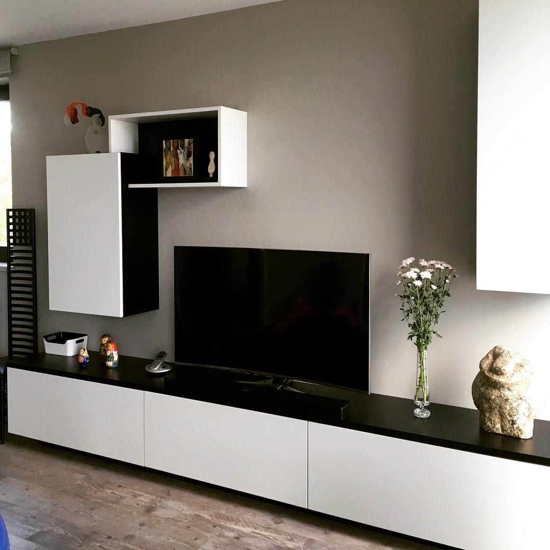 Meuble Tv Sur Mesure En Medium Laque Noir Et Blanc Kiosque Amenagement