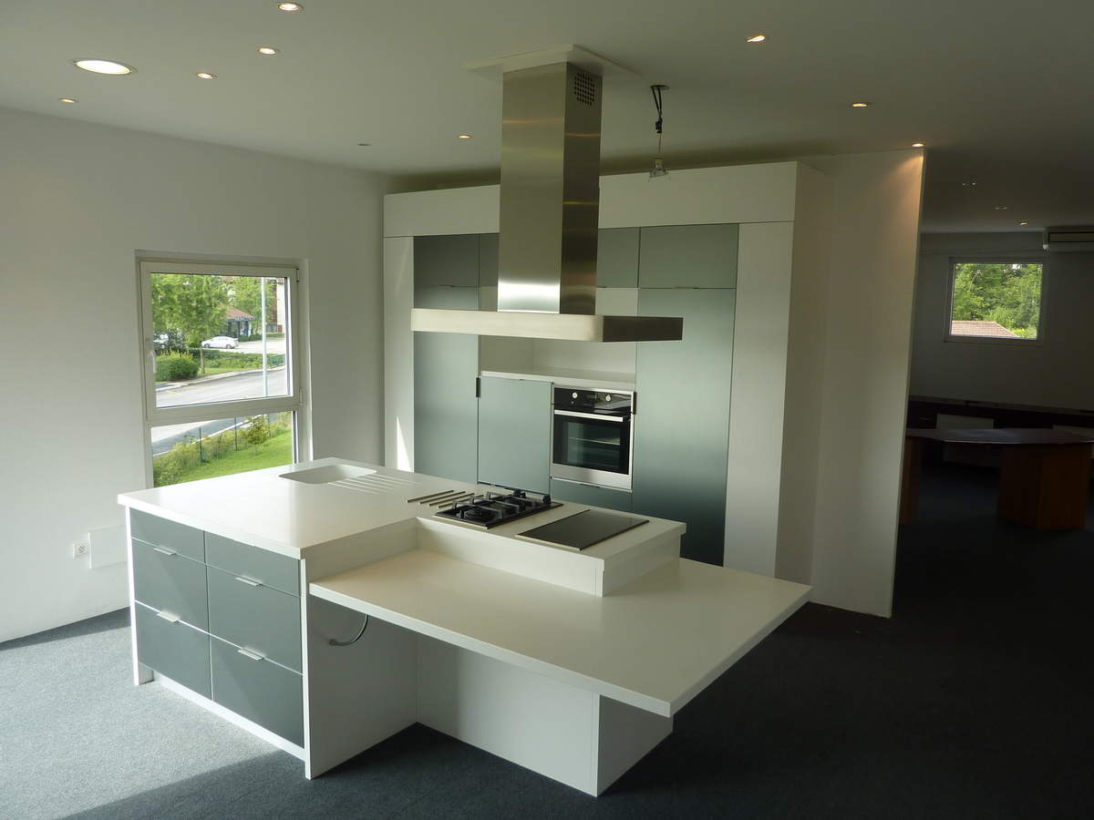 Ilot central cuisine corian for Plan travail ilot central