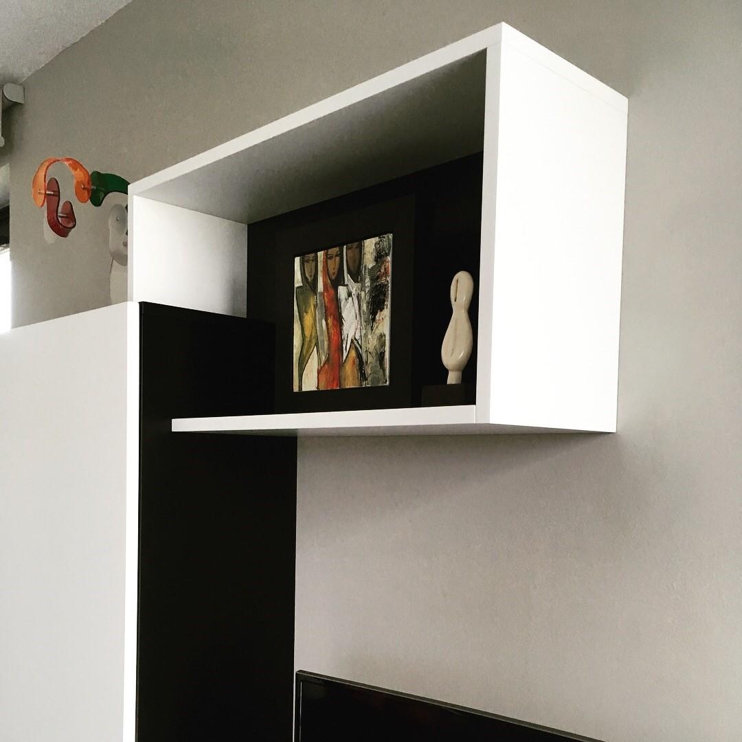 Meuble Tv Sur Mesure En M Dium Laqu Noir Et Blanc Lille # Meuble Tv Suspendu Blanc Et Bois