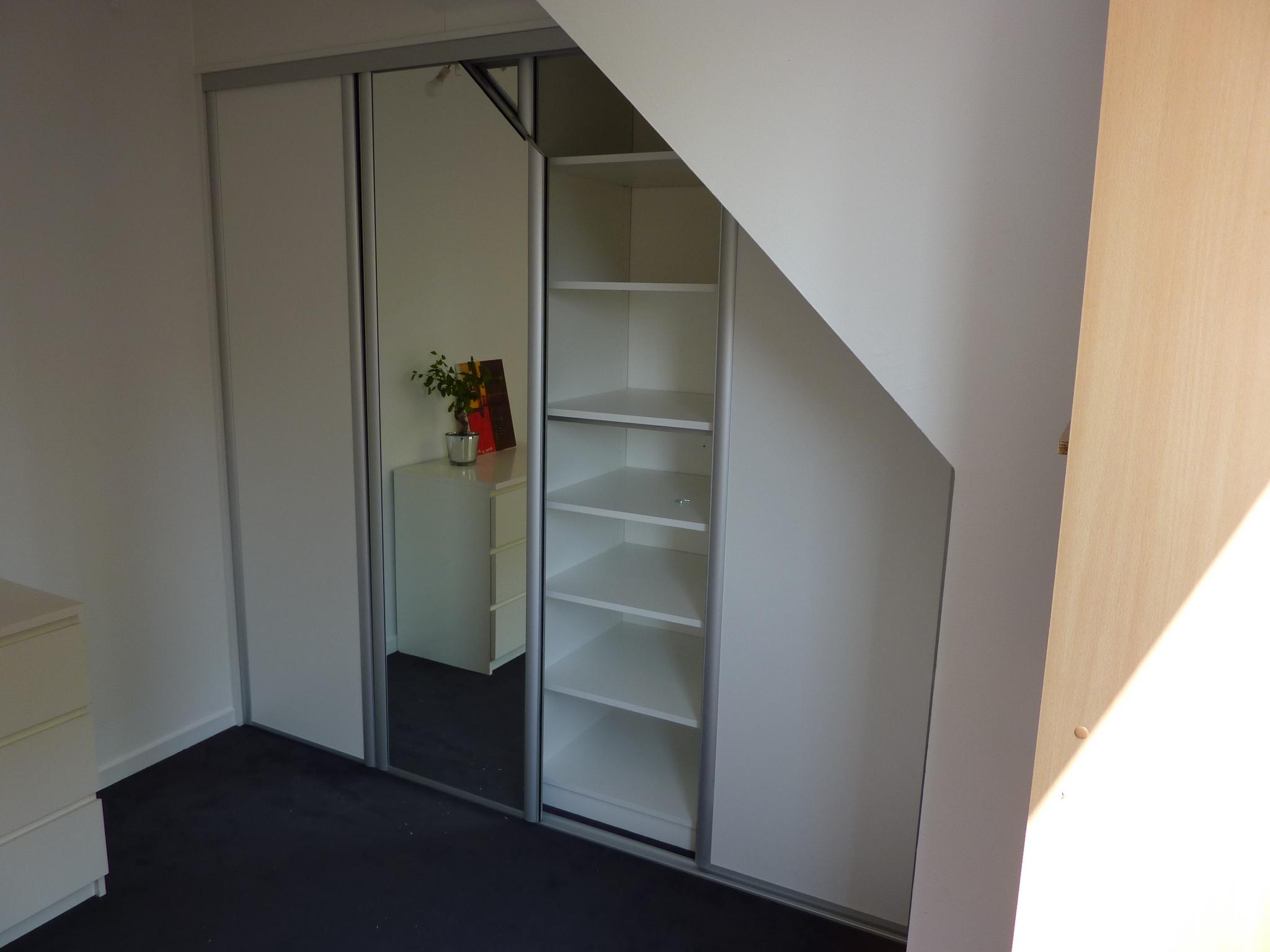 placard sous mansarde portes miroir biseaut es wambrechies. Black Bedroom Furniture Sets. Home Design Ideas