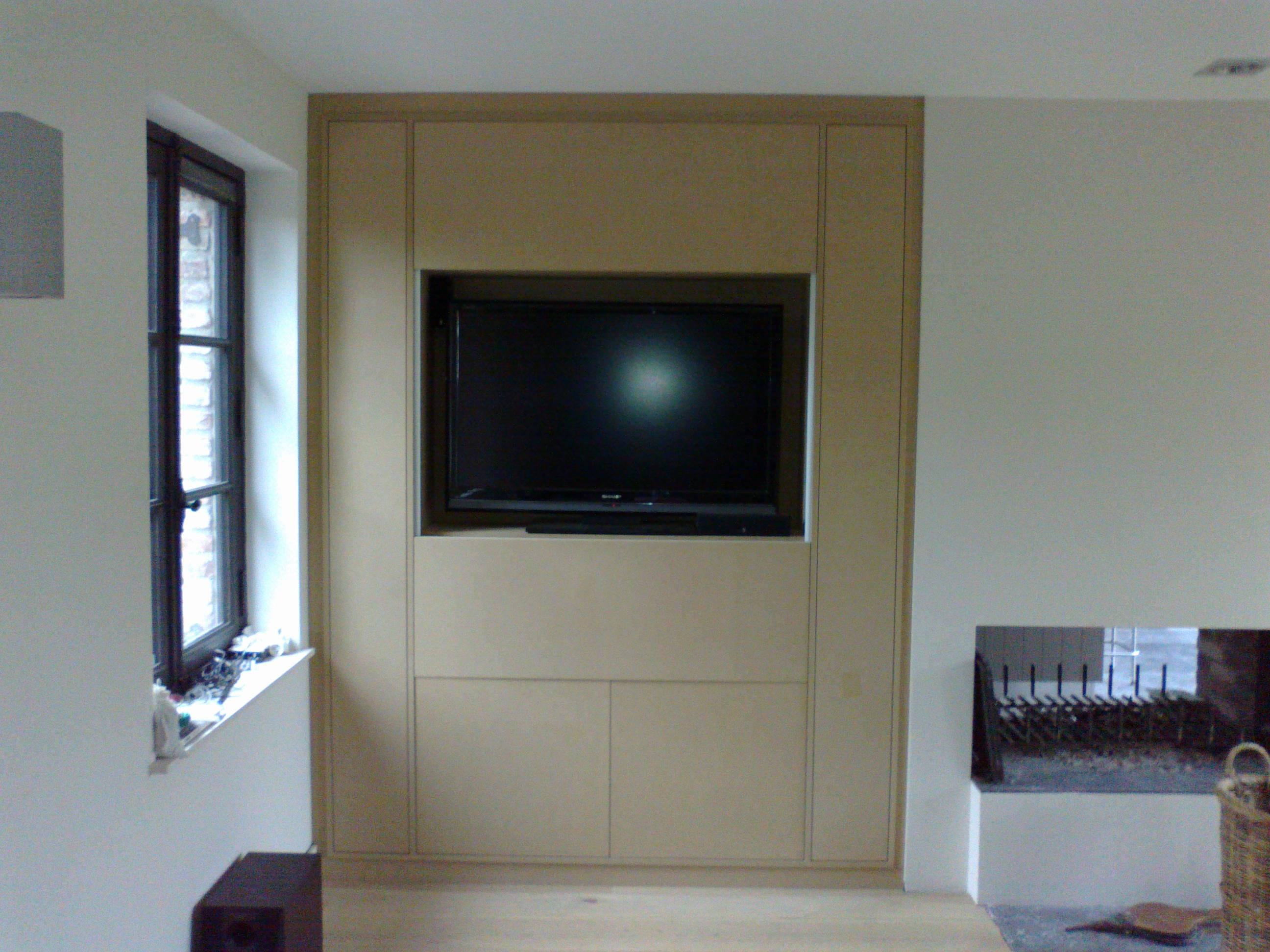 Meuble Tv Avec Portes A Guillotine Kiosque Amenagement