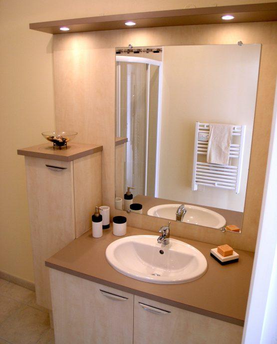 Meuble de salle de bains sur mesure
