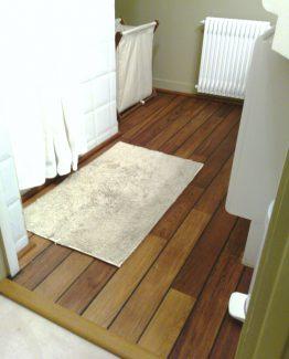 parquet salle de bain teck finest parquet pont de bateau salle de bain parquet pont de bateau. Black Bedroom Furniture Sets. Home Design Ideas
