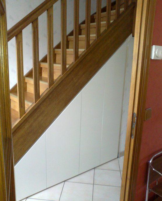 Agencement sous escalier sur mesure