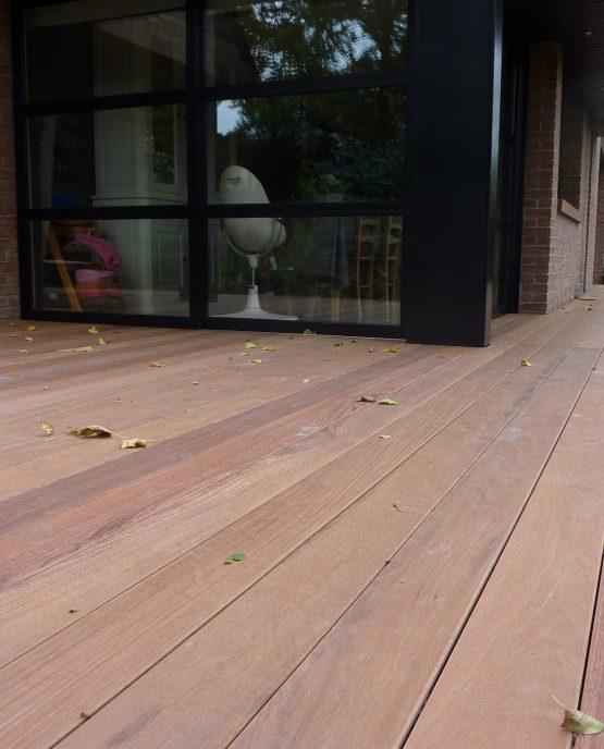remplacement terrasse bois a croix au niveau du parquet interieur