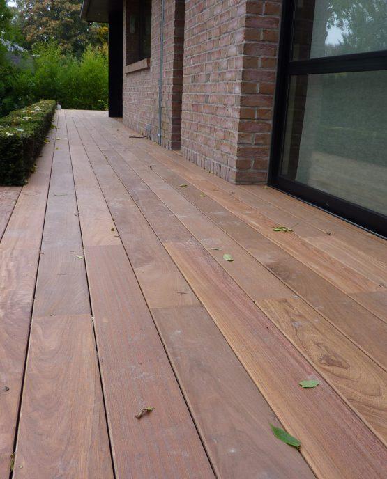 remplacement terrasse bois a croix avec rhabillage de marches