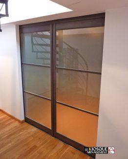 cloison et porte coulissante sur mesure le kiosque am nagement. Black Bedroom Furniture Sets. Home Design Ideas