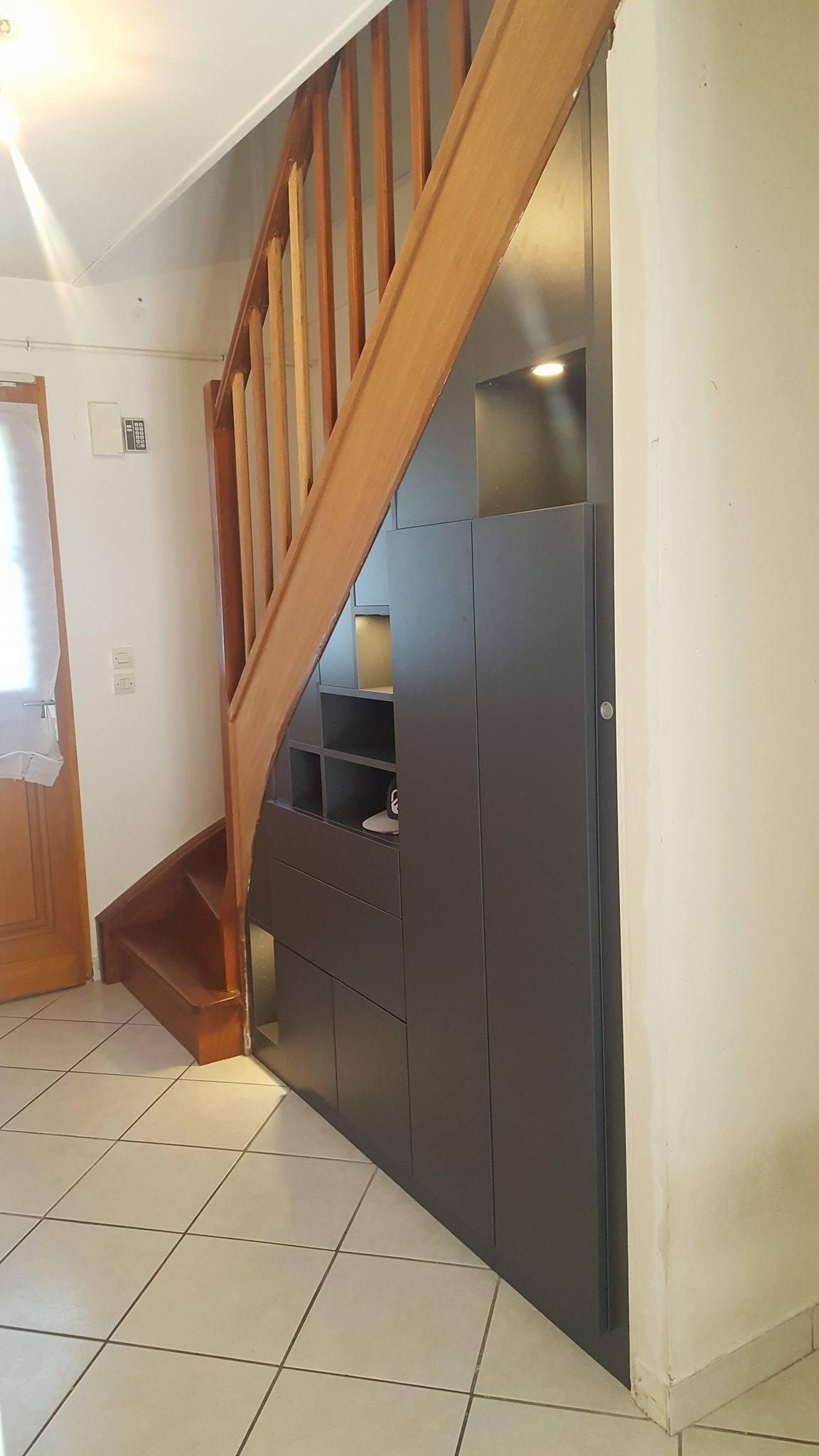 escalier avec rangement intgr great agencement sous pente et sous escalier with escalier avec. Black Bedroom Furniture Sets. Home Design Ideas