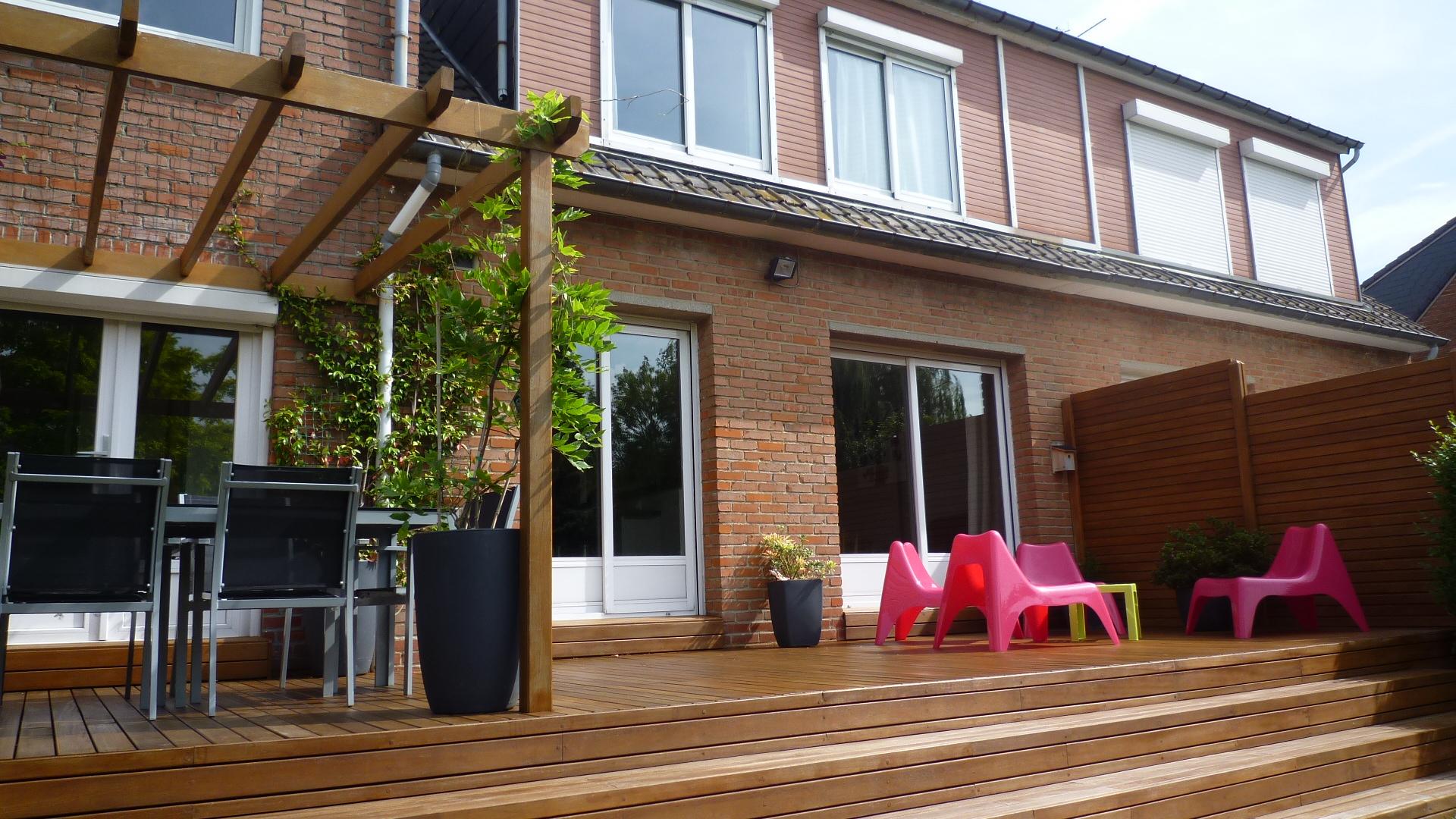 terrasse bois exotique houplines le kiosque amenagement. Black Bedroom Furniture Sets. Home Design Ideas