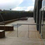 terrasse bois et rampe accès à Roubaix