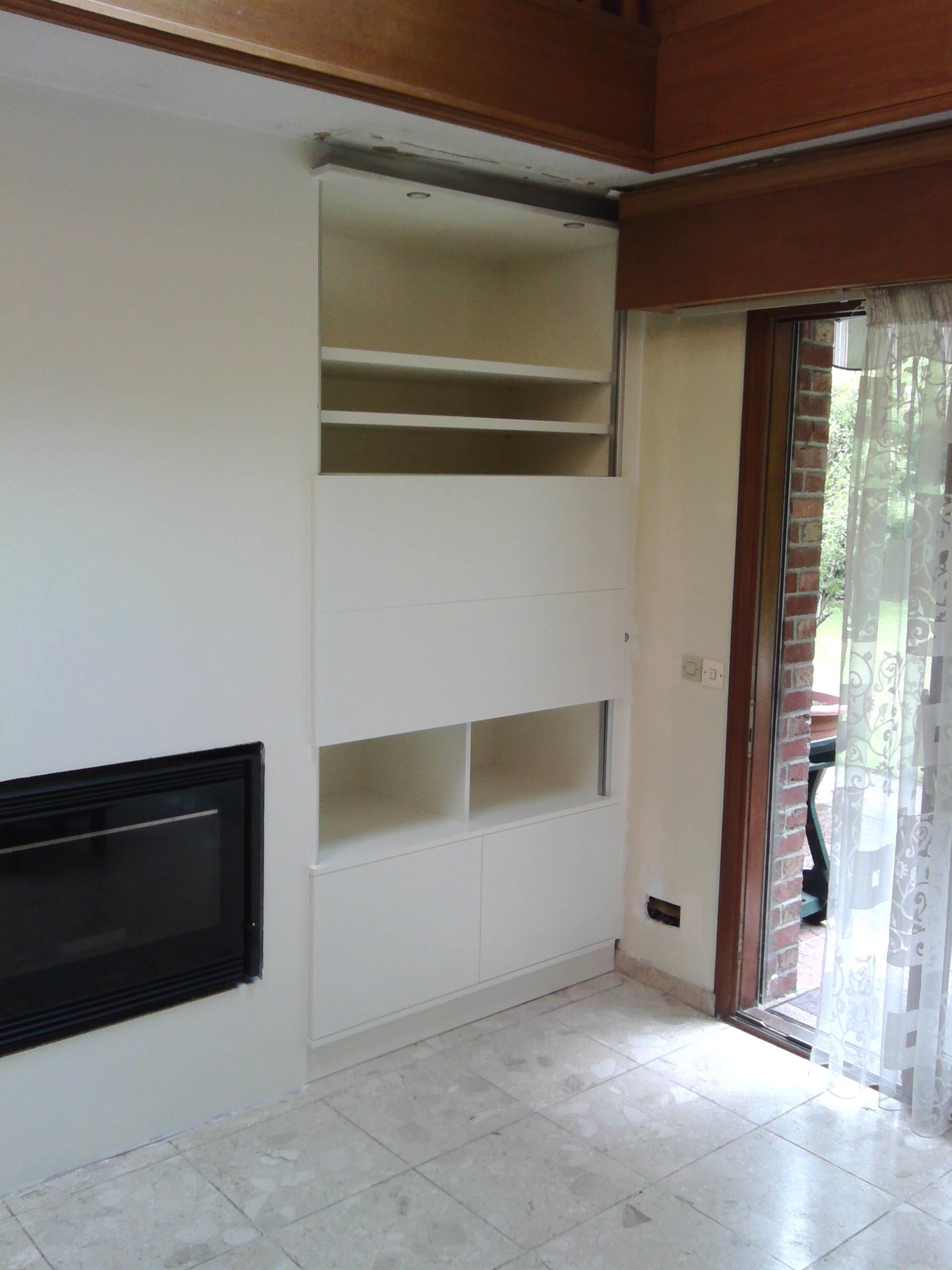 meuble avec tv int gr e le kiosque amenagement. Black Bedroom Furniture Sets. Home Design Ideas