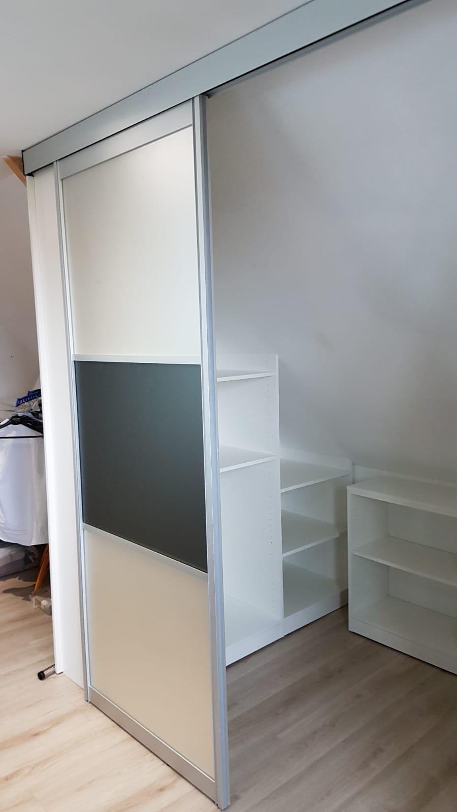 Création d'un espace dressing dans une chambre