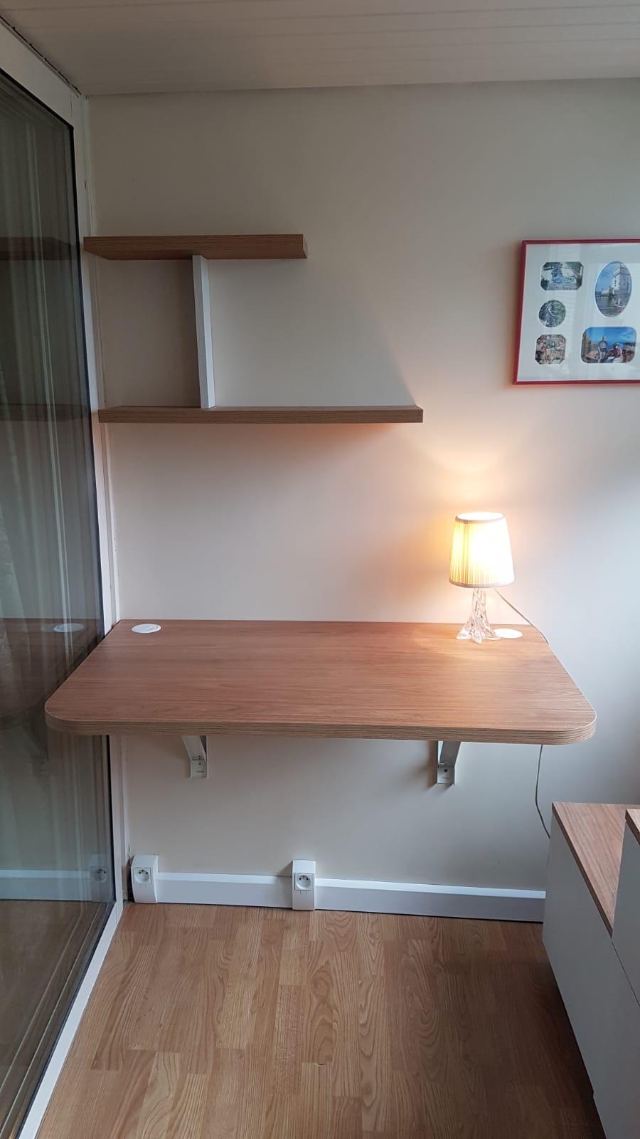 Aménagement d'une pièce en bureau par le biais de meuble sur mesure