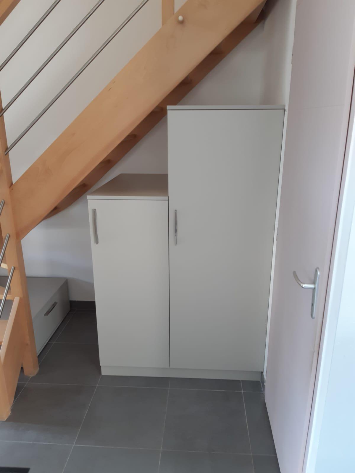 Aménagement sous l'escalier sans contremarche