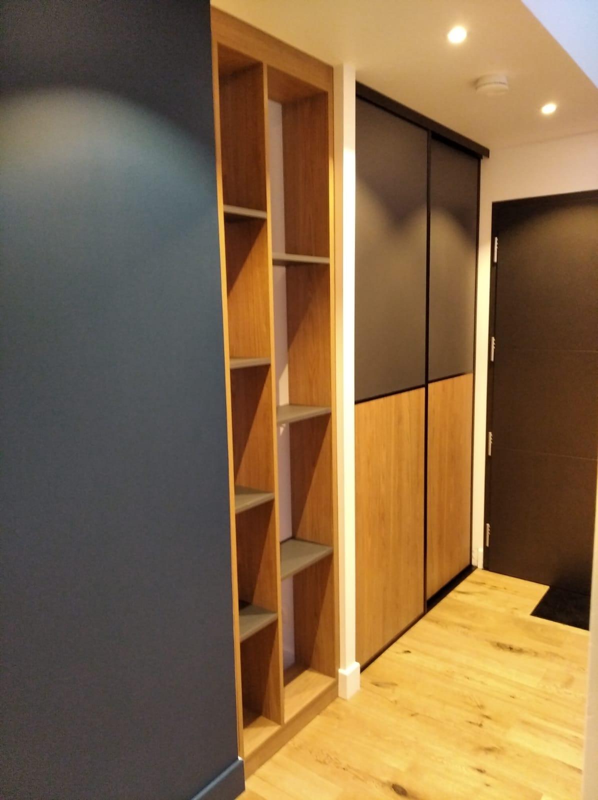 Aménagement d'une entrée avec un claustra