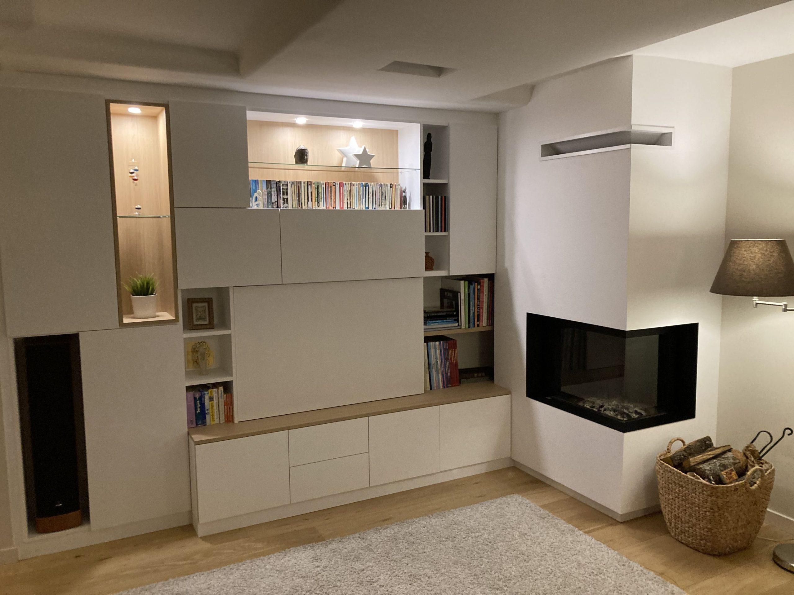 Sur cette dernière photo, on voit également les agencements. Nos clients ont décoré le meuble.